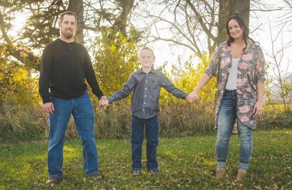 amy_ben_cedar_falls_family_photographer-3