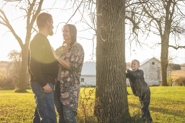 amy_ben_cedar_falls_family_photographer-4